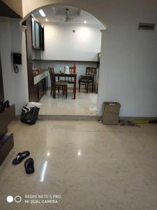 Gallery Cover Image of 650 Sq.ft 1 BHK Apartment for rent in Bandra West for 65000