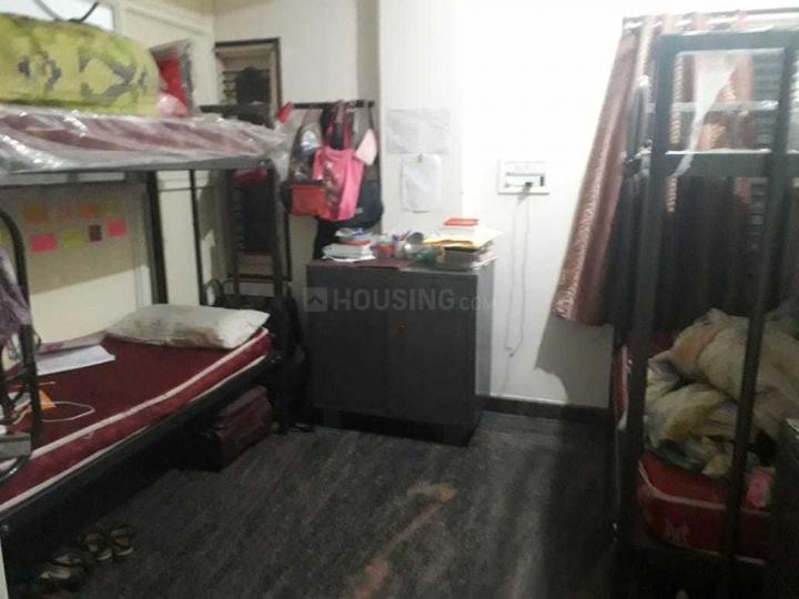 गणना भारती में रक्षा पीजी में बेडरूम की तस्वीर