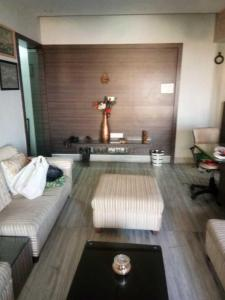 Gallery Cover Image of 970 Sq.ft 2 BHK Apartment for rent in Goregaon East for 45000