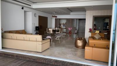 Gallery Cover Image of 1250 Sq.ft 2 BHK Apartment for rent in b y apartment, Worli for 75000