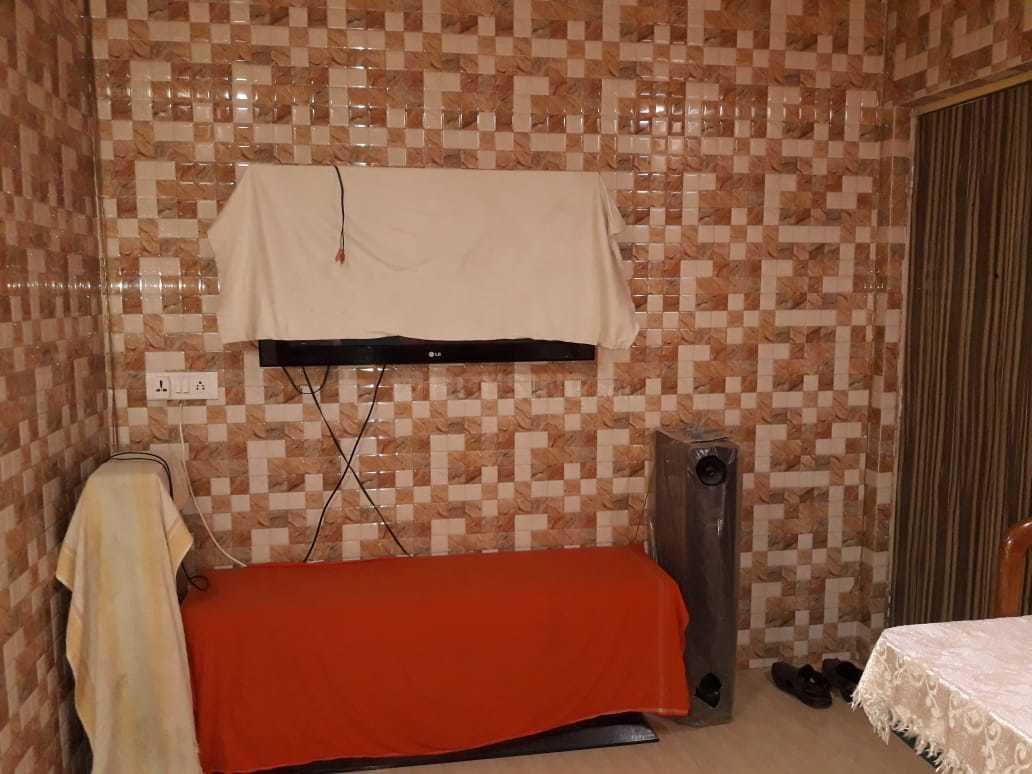 Living Room Image of 650 Sq.ft 2 BHK Apartment for rent in Virar East for 15000