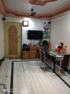 Hall Image of 550 Sq.ft 1 BHK Apartment for rent in Prabhadevi for 43000