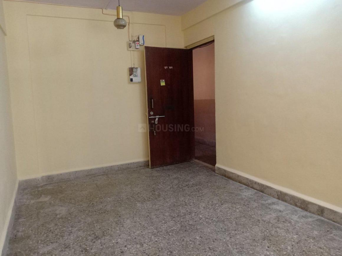 Living Room Image of 550 Sq.ft 1 BHK Apartment for rent in Dahisar West for 16000
