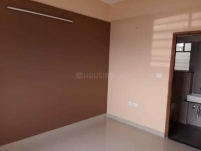 Gallery Cover Image of 1062 Sq.ft 3 BHK Apartment for rent in Maheshtala for 13000