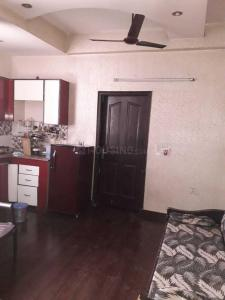 Gallery Cover Image of 650 Sq.ft 1 BHK Independent Floor for rent in Nyay Khand for 12000