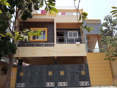 Gallery Cover Image of 700 Sq.ft 2 BHK Independent House for rent in NRI Layout for 13000
