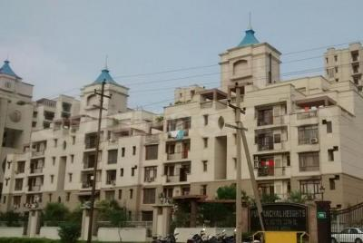 Gallery Cover Image of 2320 Sq.ft 4 BHK Apartment for rent in Zeta I Greater Noida for 16000