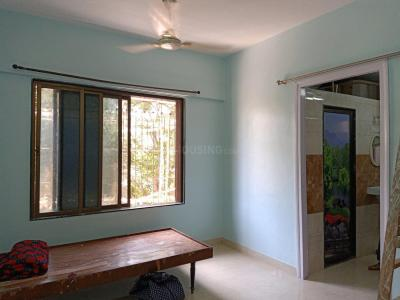 Gallery Cover Image of 650 Sq.ft 1 BHK Apartment for rent in Kandivali East for 21000