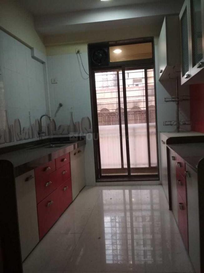 Kitchen Image of 1050 Sq.ft 2 BHK Apartment for rent in Malad West for 34000