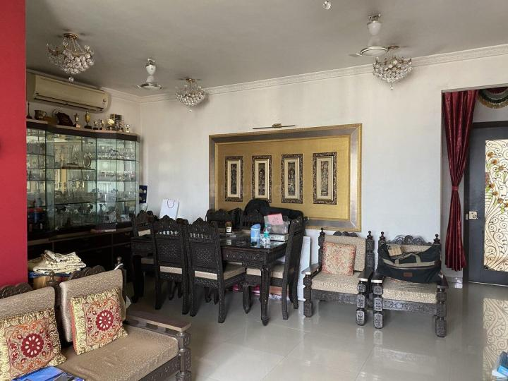 Living Room Image of 1100 Sq.ft 2 BHK Apartment for rent in Kandivali East for 51000