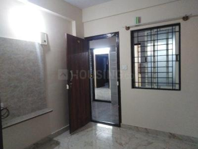 Gallery Cover Image of 500 Sq.ft 1 BHK Apartment for rent in S.G. Palya for 8500