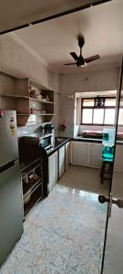Gallery Cover Image of 575 Sq.ft 1 BHK Apartment for rent in Tulip Park Apartments, Andheri East for 28000