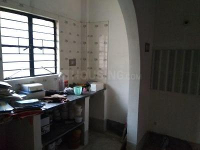 Gallery Cover Image of 750 Sq.ft 2 BHK Independent House for rent in Paschim Putiary for 6500