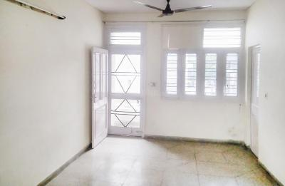 Gallery Cover Image of 1000 Sq.ft 2 BHK Apartment for rent in Preet Vihar for 25500