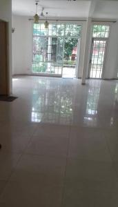 Gallery Cover Image of 5000 Sq.ft 4 BHK Villa for rent in Unitech Vista Villas, Sector 46 for 100000