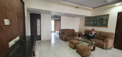 Gallery Cover Image of 1500 Sq.ft 3 BHK Apartment for rent in Mayfair Palms, Andheri West for 100000