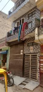 Gallery Cover Image of 1000 Sq.ft 9 BHK Independent House for buy in Sector 11 for 15500000