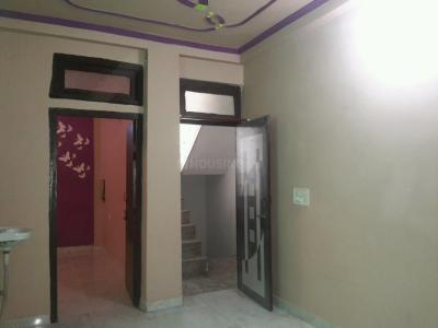 Gallery Cover Image of 400 Sq.ft 1 BHK Apartment for rent in Mayur Vihar Phase 1 for 8500