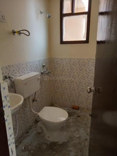 Bathroom Image of 700 Sq.ft 2 BHK Apartment for rent in Sector 37C for 14500