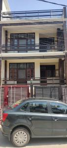 Gallery Cover Image of 1650 Sq.ft 3 BHK Independent Floor for buy in Krishna Nagar for 9000000