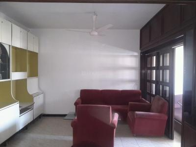 Gallery Cover Image of 750 Sq.ft 1 BHK Apartment for rent in Prabhadevi for 54000
