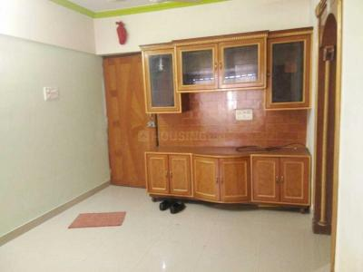 Gallery Cover Image of 850 Sq.ft 2 BHK Apartment for rent in Swapnalok Apartment, Malad East for 30000