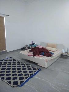 Gallery Cover Image of 1500 Sq.ft 2 BHK Independent Floor for rent in Sector 15 for 23000