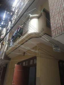 Building Image of Neeraj PG in Laxmi Nagar