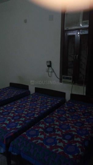Bedroom Image of Paramveer Boys PG in Sector 38