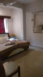 Gallery Cover Image of 450 Sq.ft 1 RK Apartment for rent in Bandra West for 35000