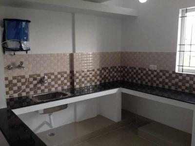 Gallery Cover Image of 752 Sq.ft 2 BHK Independent Floor for buy in Arivozi Nagar for 3200000