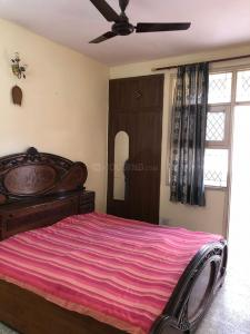 Gallery Cover Image of 200 Sq.ft 1 BHK Independent Floor for rent in Sector 62 for 14000