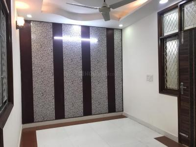 Gallery Cover Image of 900 Sq.ft 3 BHK Independent Floor for rent in Govindpuri for 14500