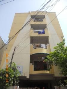 Gallery Cover Image of 725 Sq.ft 2 BHK Apartment for buy in Chinthal Basthi for 3500000
