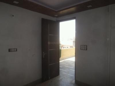 Gallery Cover Image of 400 Sq.ft 1 RK Apartment for buy in Tilak Nagar for 2800000