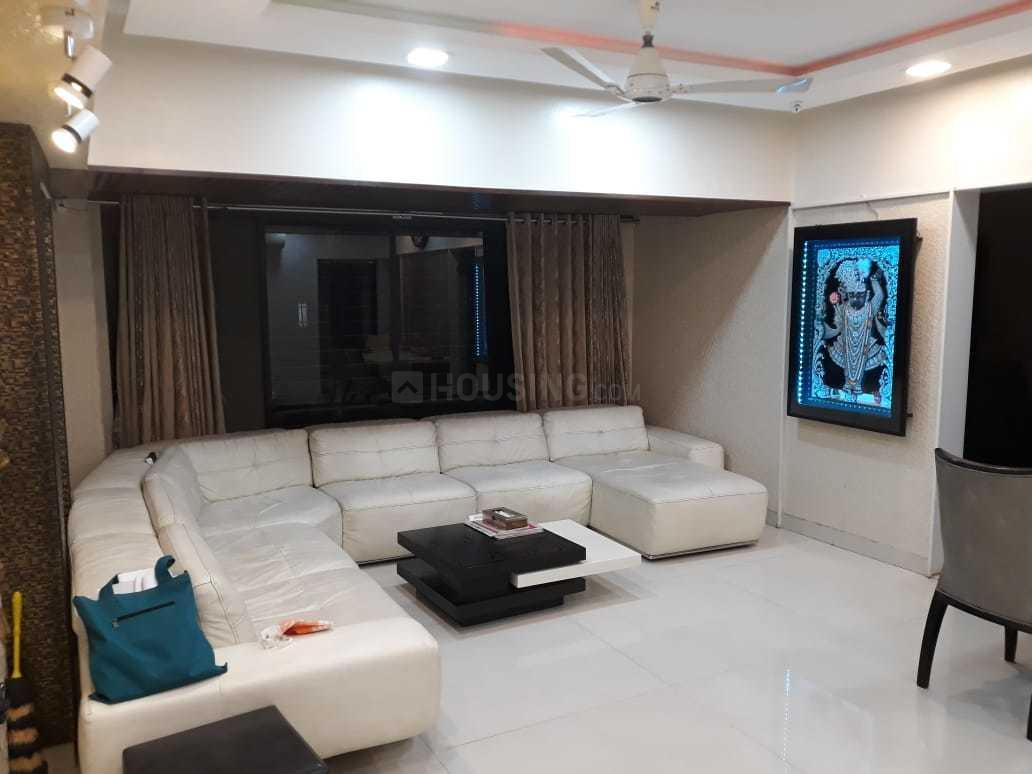 Living Room Image of 650 Sq.ft 1 BHK Apartment for rent in Andheri West for 34000
