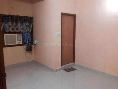 Gallery Cover Image of 900 Sq.ft 2 BHK Apartment for rent in Velachery for 18000