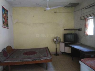 Gallery Cover Image of 900 Sq.ft 1 BHK Apartment for rent in Shahibaug for 7000