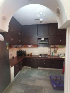 Gallery Cover Image of 1600 Sq.ft 3 BHK Apartment for rent in Rajasthan Apartments, Sector 4 Dwarka for 28000