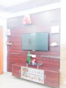Gallery Cover Image of 1050 Sq.ft 2 BHK Apartment for rent in Avj Heightss, Zeta I Greater Noida for 10000