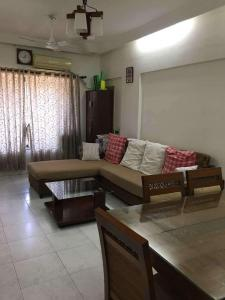 Gallery Cover Image of 1010 Sq.ft 2 BHK Apartment for rent in Vile Parle West for 70000