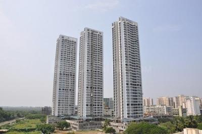 Gallery Cover Image of 1275 Sq.ft 3 BHK Apartment for buy in Malad West for 29500000