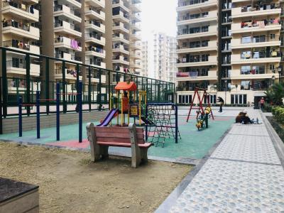 Gallery Cover Image of 955 Sq.ft 2 BHK Apartment for buy in Omicron I Greater Noida for 3021000