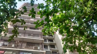 Gallery Cover Image of 1300 Sq.ft 3 BHK Apartment for rent in Mulund East for 42000
