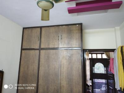 Gallery Cover Image of 650 Sq.ft 2 BHK Apartment for rent in Sector 6 Rohini for 13000