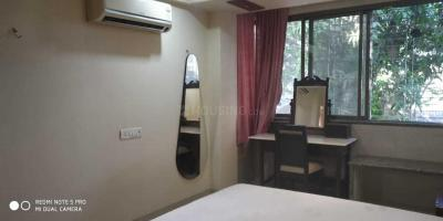 Gallery Cover Image of 800 Sq.ft 2 BHK Apartment for rent in Bandra West for 85000