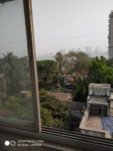 Balcony Image of 1000 Sq.ft 2 BHK Apartment for buy in Bandra West for 51500000