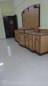 Gallery Cover Image of 980 Sq.ft 2 BHK Apartment for rent in Dadar West for 70000
