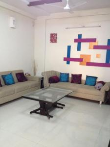 Gallery Cover Image of 2450 Sq.ft 3 BHK Apartment for rent in Sandesh Shompole, Thaltej for 55000
