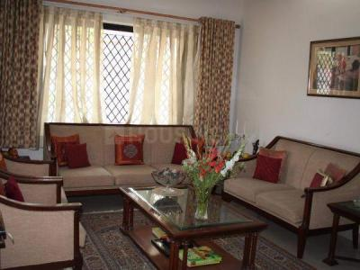 Gallery Cover Image of 1150 Sq.ft 2 BHK Apartment for rent in Kalighat for 35000